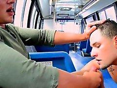 Straighty löper på bussar