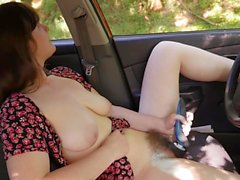 Yanks Raven Snow Toys Her Hairy Pussy