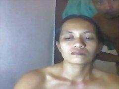 filippiiniläinen äitinsä Shanell danatil paljain soittoa kalu