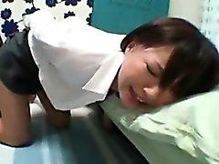 Oynak Japon kız kıllı sli alarak iki seks oyuncakları vardır