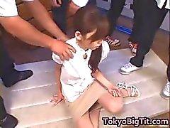 Asian MiLF Rina Tomoa fica pulverizado