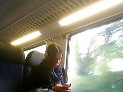 masturbação pública em ônibus, trem