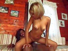 The wow Bu kız A travesti 01 - Scene 2