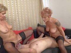 Grandma nackte Hot Granny