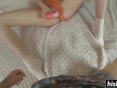 Katy verwendet Spielzeug vor bonked immer