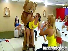 Dancingcock Sista natten för att få lite kuk