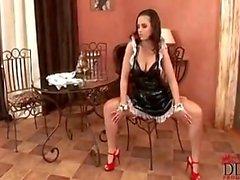 Eve Angel Är One Sexy Hemhjälp