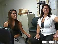 Grupp Office Blåsa Orgy av Dancingcock