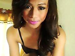 Gorgeous Filipina Shemale Wild fickt ihren Schwanz