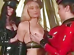 Three Lesbisch In Latex SM Bondage Sklaven Domina Vorherrschaft