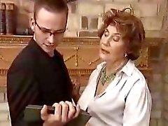 Baronessa tedesca sedurre suo assistente