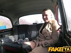 FakeTaxi Sex mad Чехия хочет петух