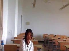 Çinli kız ve beyaz öğretmen