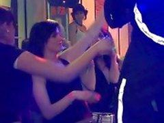 Grupo de sexo selvagem patty à noite clube