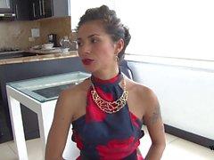 Tu Venganza - Laura Montenegro, una colombiana que se venga con una follada en un trio