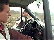Mektup arabaya kahrolası veren üç görevli