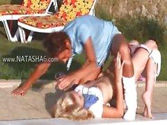 Divertido Natasha la piscina