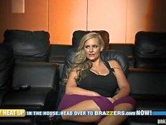 Brazzers Brazzers kammaren Fullständig Första episoden