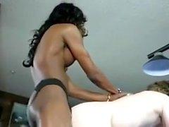 schwarz Transvestiten auf Billardtisch