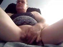 Stud gay solo en voyage de masturbation