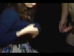 Nette japanische MILF Yuki Mochida gibt erstaunliche Blowjob