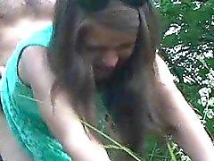 Zuzinka ama a follando gatito apretado al aire