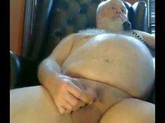 Grandpa хода на камеру