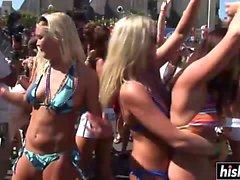 Atemberaubende Girls haben Spaß auf der Party