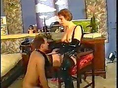 Rakastajattarensa dominoi slave