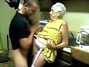 Granny sborrata anale