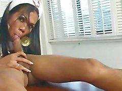 Nurses de Asia Tgirl de látex 4 - Scene 4