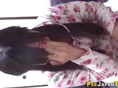 Kinky japanese teen pees