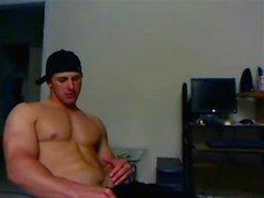 Гей-сольная мастурбация на диване