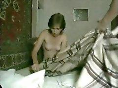 Любительский оральный секс пара и оттрахать самодельный продукцию