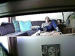 Guardone usa un cam nascosta di spiare i di un rilassandoci bruna