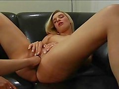 Pussy fisting for blond dyke