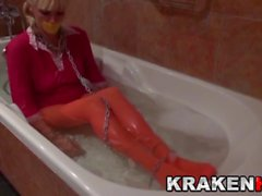 Krakenhot - BDSM Casting with Estefani Tarrago in the bath