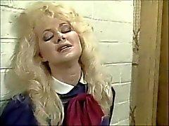 Britt Morgan neemt het op de Chin ( 1995 ) pt.1