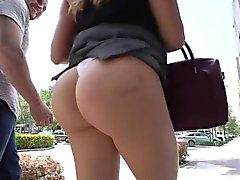 Big Ass Juli Vega am Pool gefickt