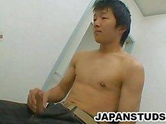 Ryoji Tomita ve - Şirin Nippon Erkek O'nun Stiff Cock Rubbing