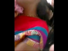 Sleeping Aunty Boobshow yellow blouse in public delhi bus