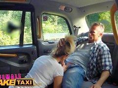FemaleFakeTaxi Drivers corpo apertado coberto de cum
