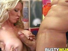 Emma Starr ist big Tits