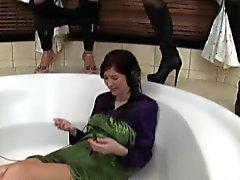 Трехходового Лес ссать ванны
