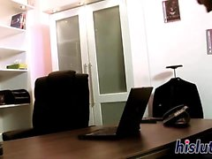 Luscious bombshell gets fucked in the office