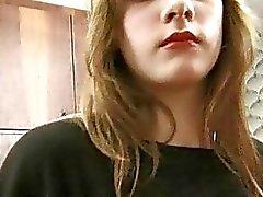 Blond Teenager in Strumpfhose kommt ihre haarigen Nookie Land Fingern