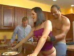 Mi mujer humillan a la marido Al estar luego jodida por su amante del Negro .