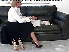 Mogna femdom britt sko Ställ naket