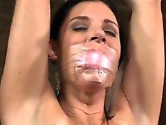 Suu auki sekä nauhalle vaientaa ala toyed