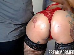 Latin Chick mother i'd like to fuck giving top